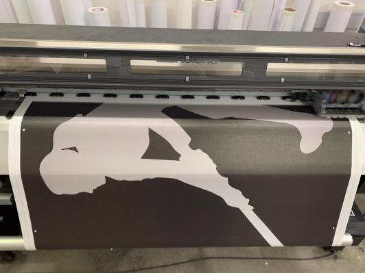 Druck eines Werbebanner aus Mesa-Material